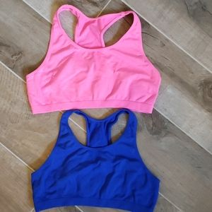 Lot 2 FRUIT OF THE LOOM sports bras